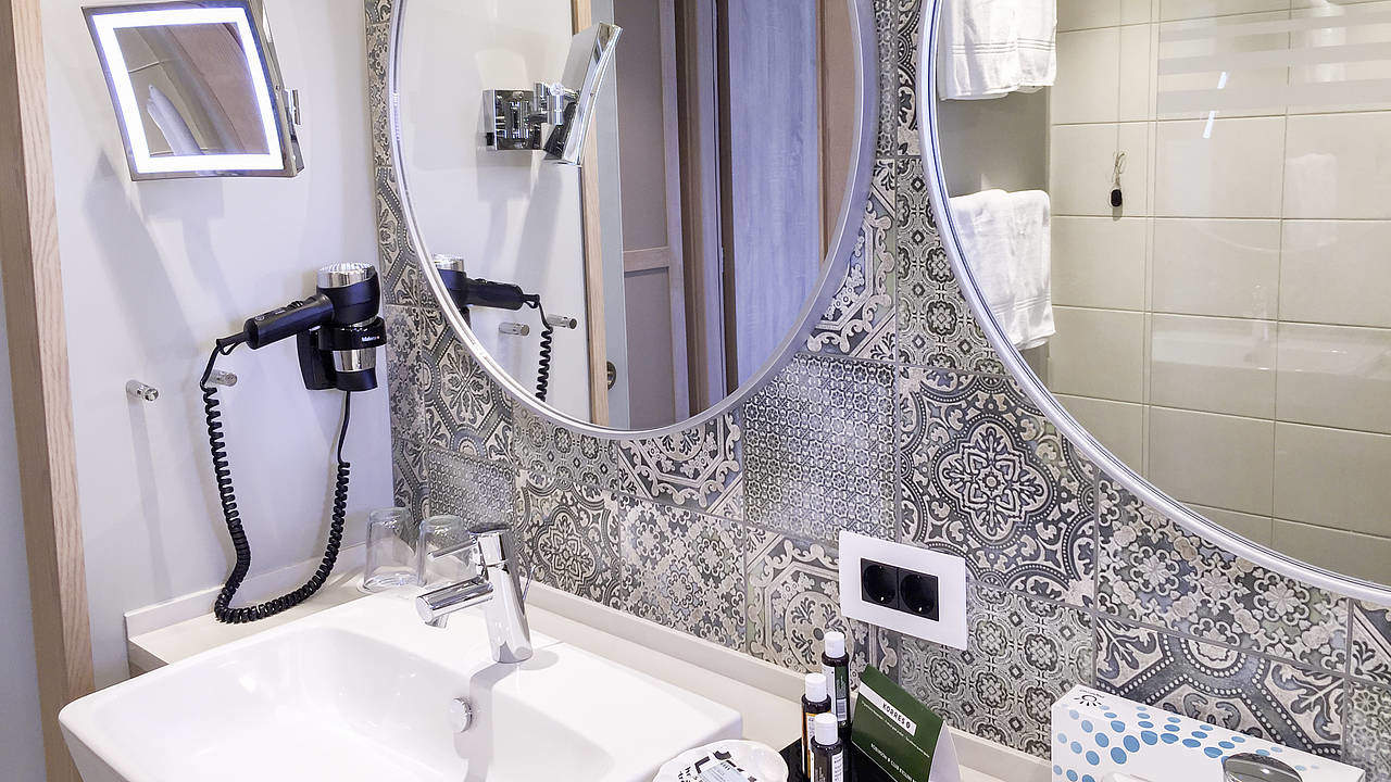Fein Küche Und Badezimmer Renovierungs Brisbane Ideen - Ideen Für ...